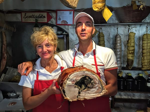 ToursbyLocals.com led the way to butchers Rosita Cariani and Marco Biagetti at Macelleria Tagliavento in Bevagna, Italy.