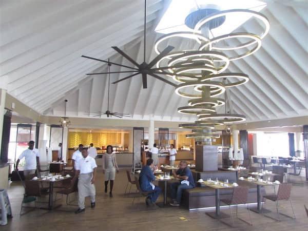 Open-air buffet at Melia Braco Resort (Credit: John and Sandra Nowlan)