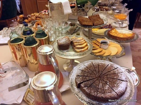 "A photographic ""slice"" of the breakfast buffet"