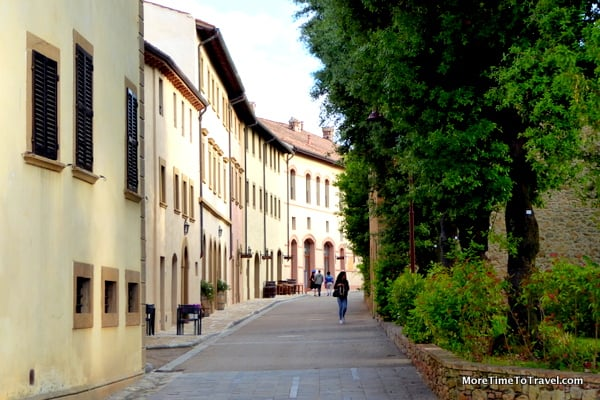 View of the borgo walking from Hotel La Tabaccia