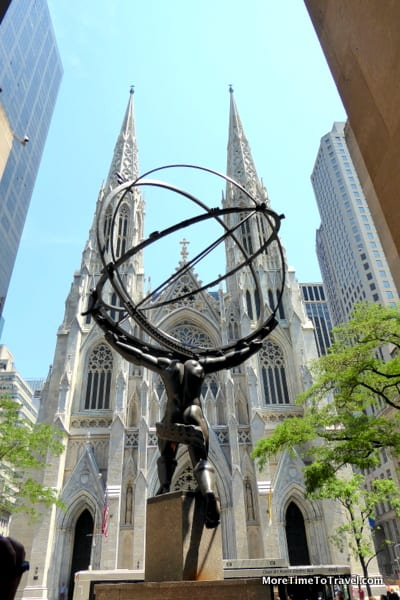 Picture of Atlas bronze statue by Lee Lawrie, St. Patrick's Cathedral in the background