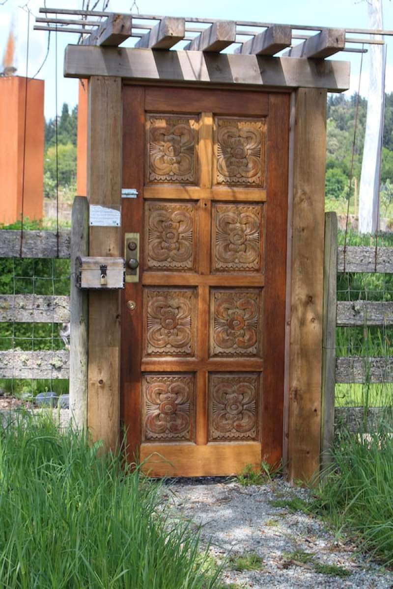 Doortraits: Vancouver Island, British Columbia