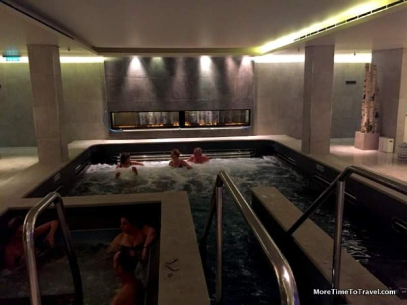 Spa pool on the Viking Star
