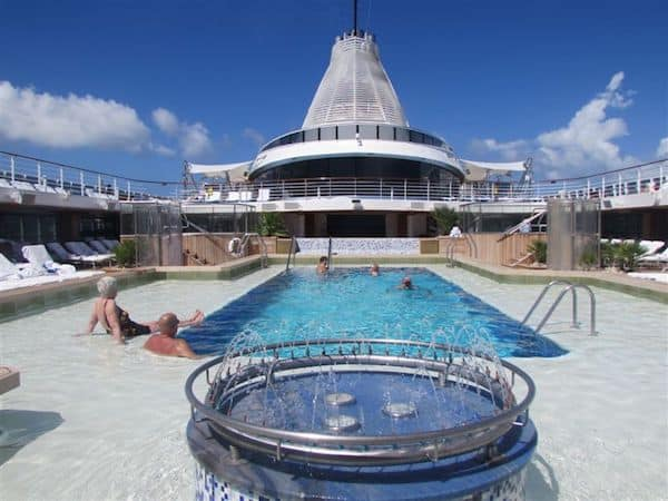 Pool deck on Oceania Marina