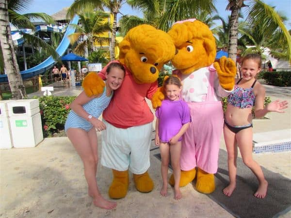 Girls with the The Berenstain Bears, Memories Mascots
