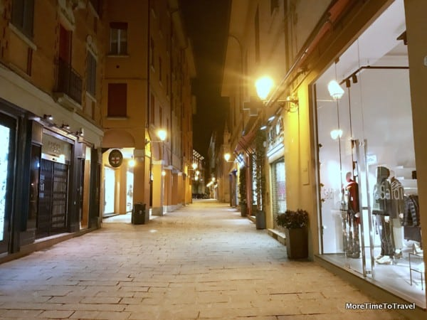 Via d'Azeglio in Bologna at night