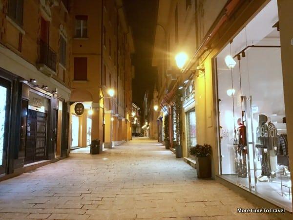 Via d'Azeglio in Bologna at night