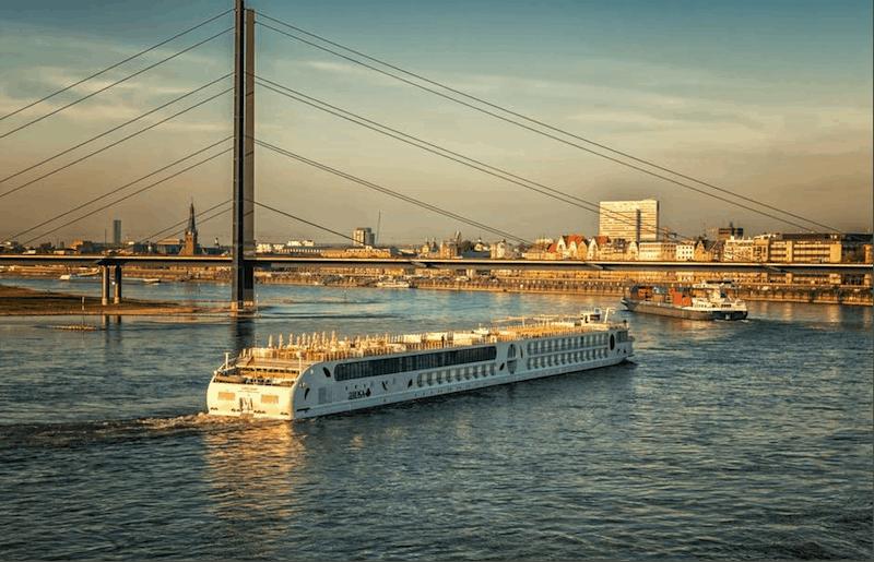 Iconic river cruise