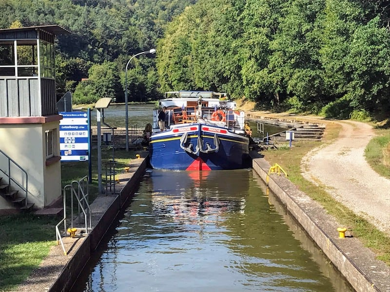 What is it like to take a barge cruise? Panache passing through a lock in Saverne, France