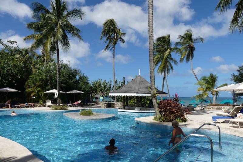 Pool beside the beach at Rendezvous Resort