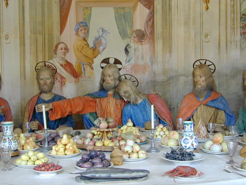 Wooden statues depicting the Last Supper (Credit: Wikimedia, Stefano Bistolfi)