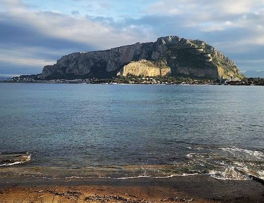 View of the waters from Mondello Beach, Palermo, Sicily (Credit: Pixabay)