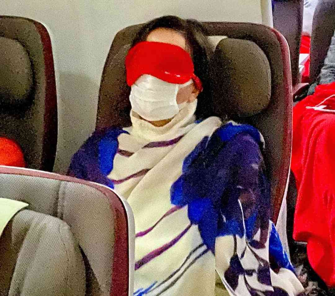 Travel Writer is not traveling - A fellow passenger on the flight home