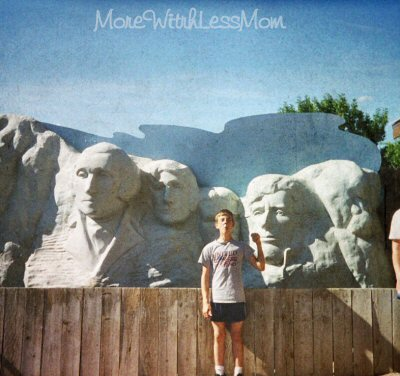 Mt Rushmore photo op at Wall Drug in SD