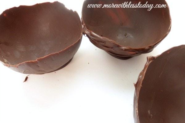 how do you make Chocolate Dessert Bowls