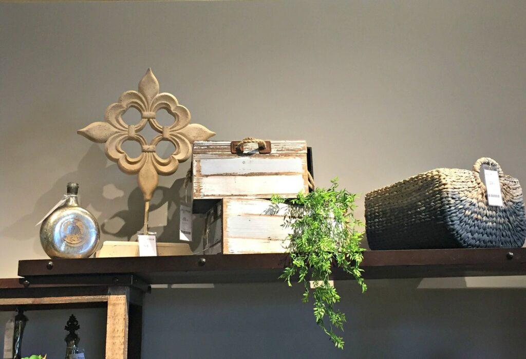 decorator tricks for using accessories