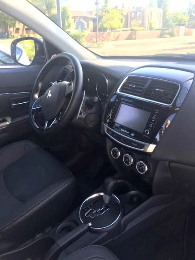 2016 Mitsubishi Outlander Sport 2.4 GT 2WD center console