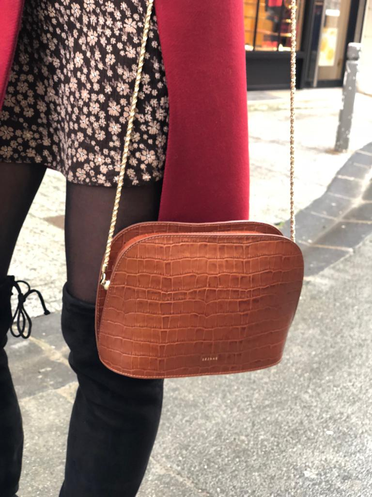 blogueuse mode bordeaux sac camel