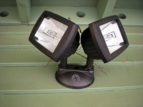 robinette-porchlight