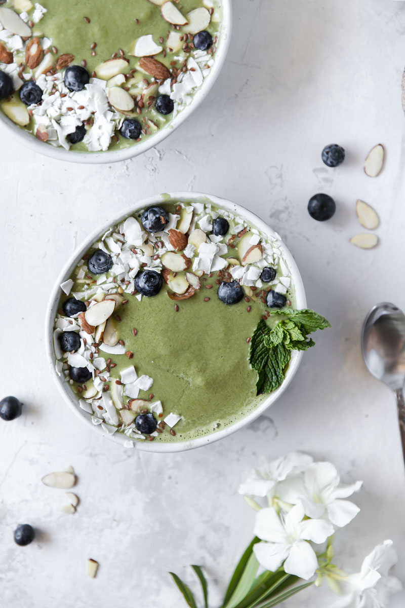 This healthy, protein packed Matcha Collagen Smoothie Bowl is the perfect way to start your morning. Made with matcha collagen powder, riced cauliflower, and other dairy-free ingredients!