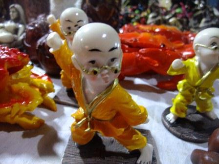 中国の夜店で見つけたカンフードール