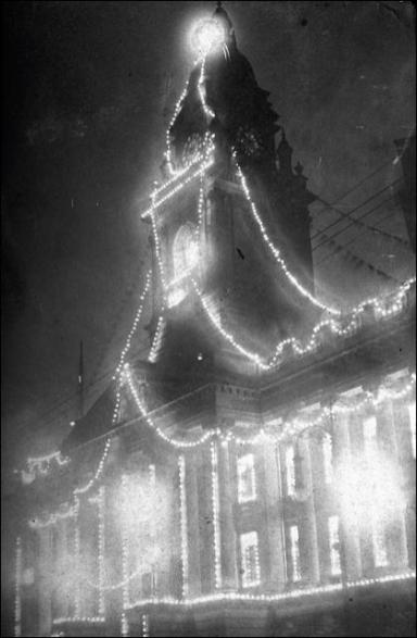 Illuminations on the Town Hall for the Coronation of King George V