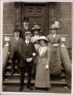 Brumfitt family Wedding group