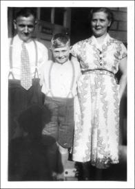 Walker family outside 11 Harrop Terrace, off Britannia Rd, Morley