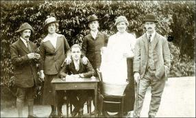 A group from the Gildersome Amateur Dramatics Group