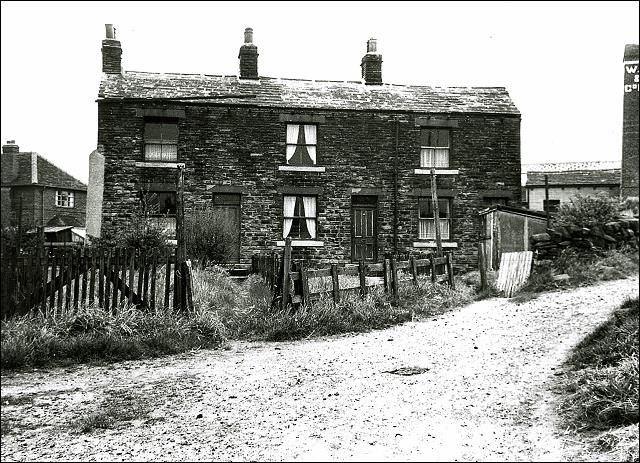 Houses on Penfield Row, Drighlington