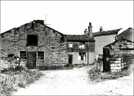 Old farm house off Moorside Road, Drighlington