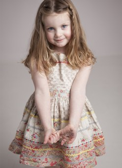 MorLove-Child-Photography-Chepstow-Floral-Girl
