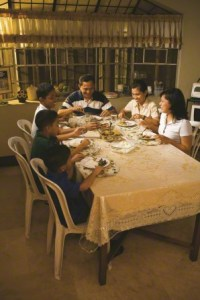 family-at-dinner-table-411564-gallery