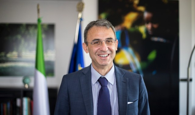 """Sergio Costa, ministro dell'economia (circolare): """"Misure di riuso e riciclo possono avere ricadute anche sull'occupazione"""""""
