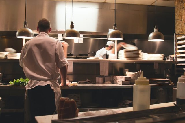 The long restaurant supply chain struggling with the pandemic