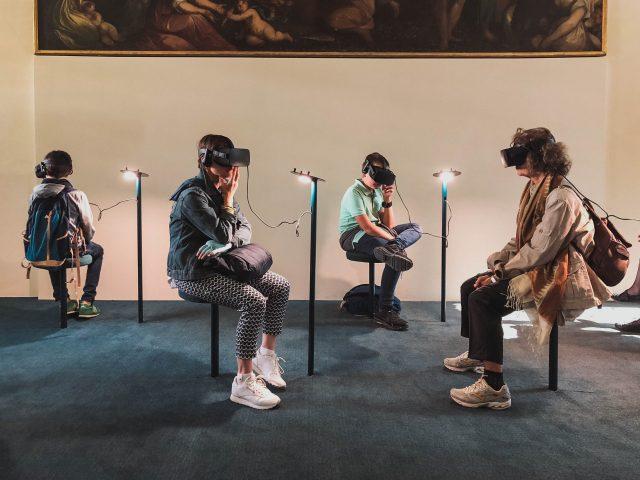 La nuova iperidentità tra reale e virtuale