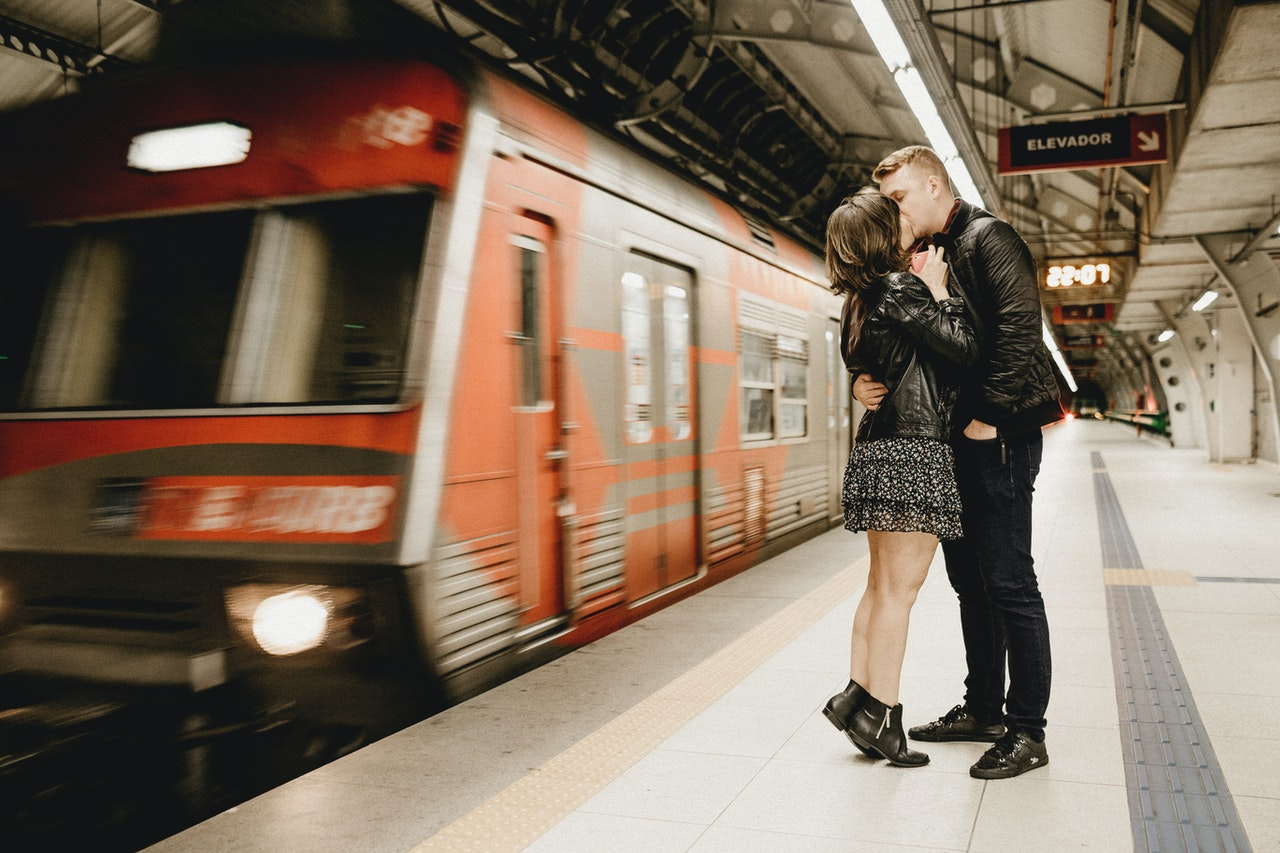 Why Couples Lose Interest in Long-distance Relationship