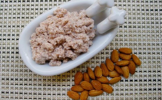 Almond Scrub And Rice Flour Scrub