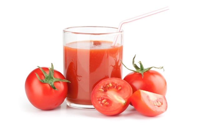 Tomato Juice 3 - Top 15 Amazing Natural Remedies Present In Your Kitchen