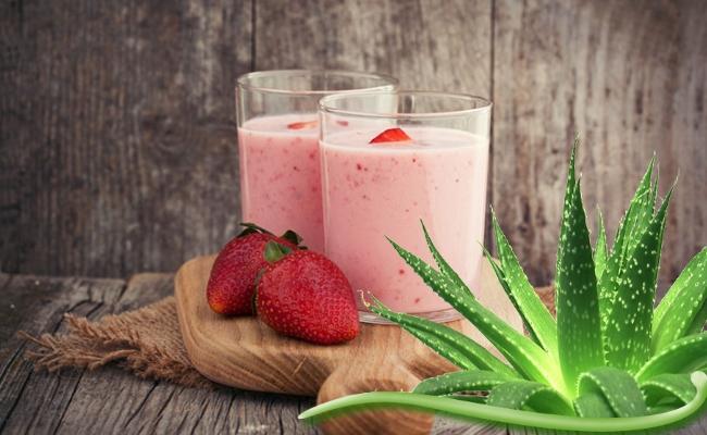 Aloe Vera And Strawberry Smoothie