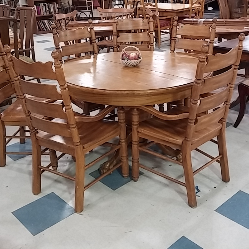 Claw Foot Table 6 Chairs