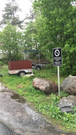 Skiltene om parkeringsforbud på velforeningens område er nå satt opp. Vi ber om at de respekteres.