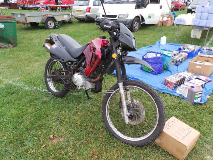 A 59 plate 125cc bike with logbook for only £350 seems like a bargain