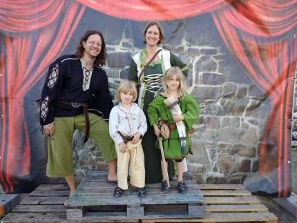 Familienfoto von anno Mittelalter ;)