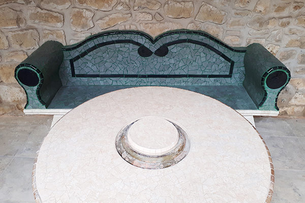Roman styled bench, 2'50m, private house, Lleida.