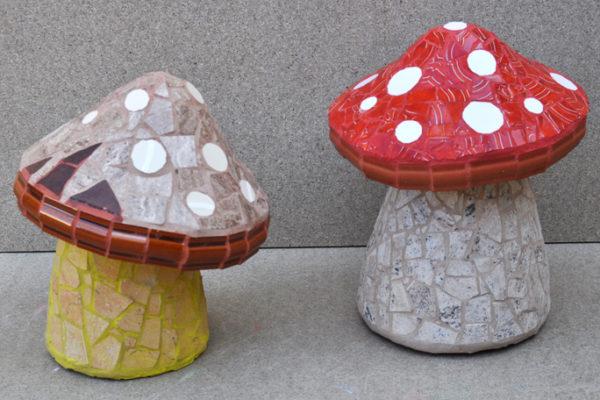 Small mushrooms, 19cm x 12cm, 3kg.