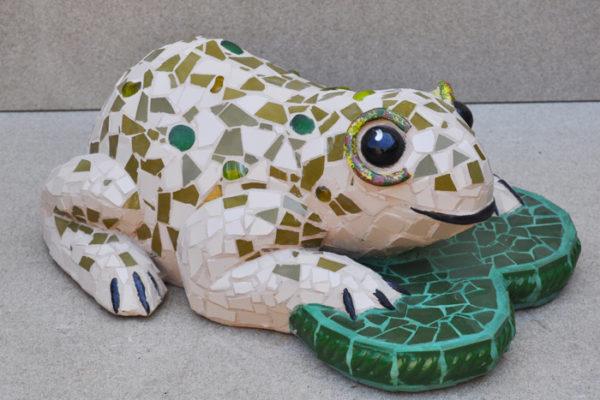 Frog, 52cm x 18cm, 10kg.