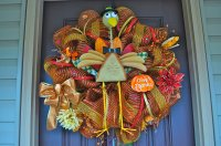 15 Lovely Door Decorations That You Will Love ...