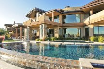 Beautiful House with Swimming Pool