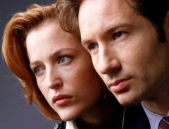 x-files-david-duchovny-gillian-anderson-mulder-scully-photo